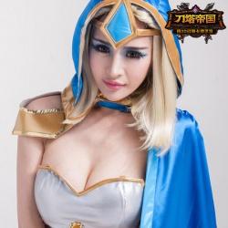 刀塔帝国美女高玩团性感cos 身材惹来巨乳傲人