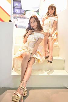 每一届ChinaJoy都是美腿选拔赛