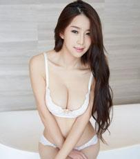 少妇真希纯白内衣写真 难抵俯身的诱惑