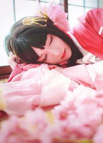 阴阳师樱花妖cos图片 到了樱花飘落的时节请回到我身边