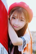 清纯红帽少女图片 迷人双眼甜美笑容